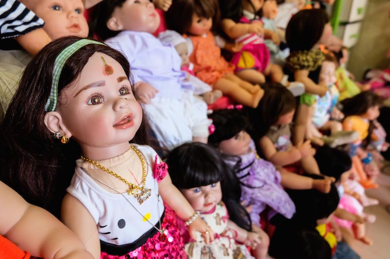 ตุ๊กตาลูกเทพ คืออะไรทำไม่ถึงเป็นกระแสฮิตหนักมากบนโลกโซเซียลและหมู่คนทั่วไป