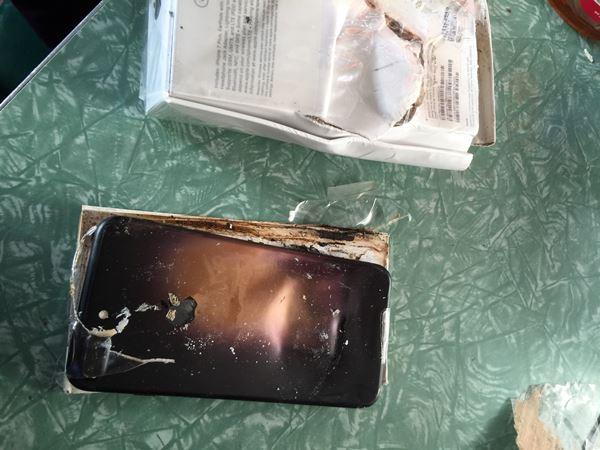 อาถรรพ์หมายเลข 7หรือไร!! iPhone 7 Plus ระเบิดเละ ขณะขนส่งก่อนถึงมือลูกค้า