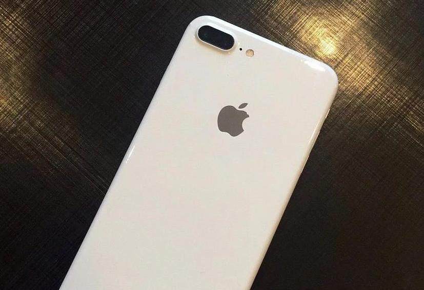 จริงหรือมั่ว!! คลิปหลุด  iPhone 7 สีขาว Jet White