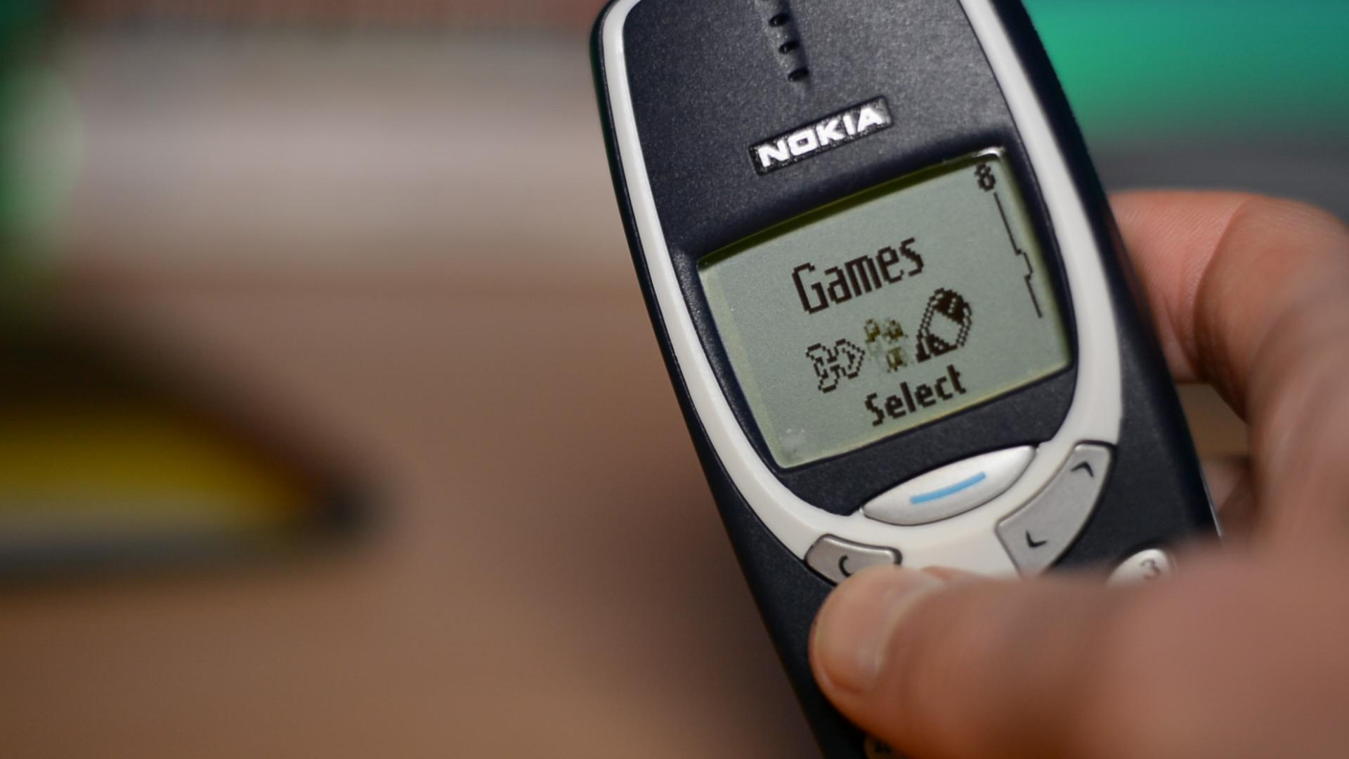 Nokia เตรียมฟื้นคืนชีพ Nokia 3310 พร้อมเปิดตัว Nokia 5, Nokia 3  ในงาน MWC 2017 ที่จะถึงนี้
